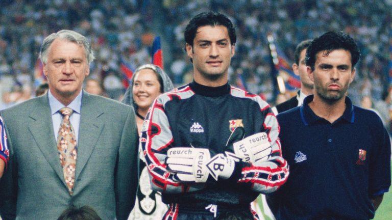 Sir Bobby Robson and Jose Mourinho at Barcelona