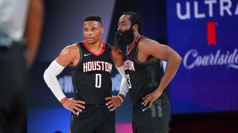 James Harden found Russell Westbrook for the alley-oop slam as the Houston Rockets went five points ahead in Game 3 against the Los Angeles Lakers.