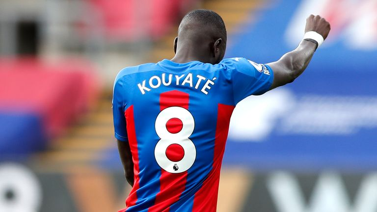 Cheikhou Kouyate takes the knee in support of Black Lives Matter