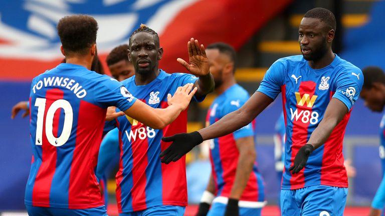 Cheikhou Kouyate celebrates his equaliser