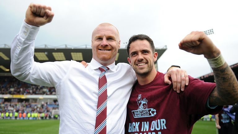 Sean Dyche and Danny Ings celebrate Burnley winning the Championship in 2015/16