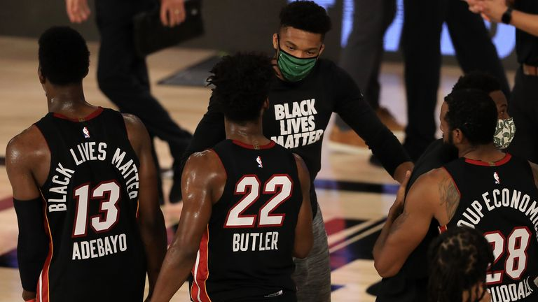 Injured Giannis Antetokounmpo congratulated the Heat players at the conclusion of Game 5