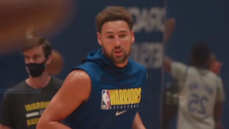 Klay Thompson returns to practice with the Golden State Warriors