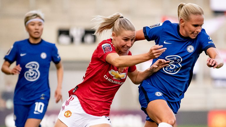 Manchester United held champions Chelsea to a draw in their Women's Super League opener