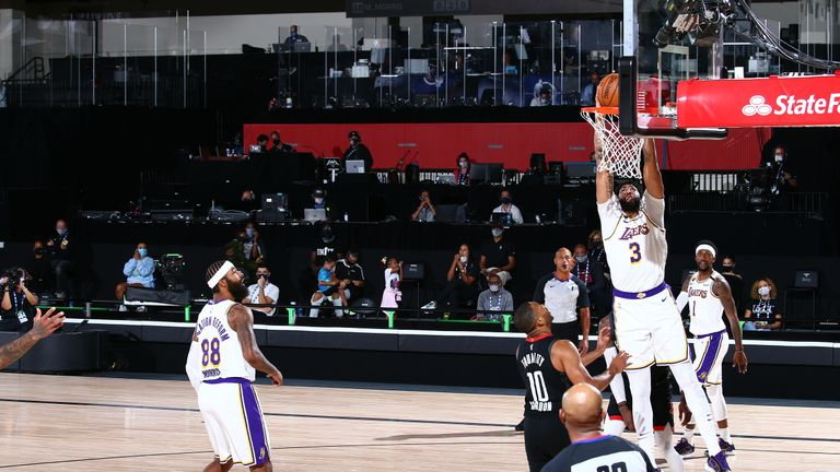 Rajon Rondo provided the assist as Anthony Davis made a huge alley-oop slam dunk for the Los Angeles Lakers against the Houston Rockets.