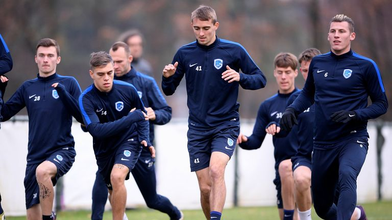 Genk's Timothy Castagne (C) and teammates takes part in a training session on November 23 2016, in Genk, on the eve of the team's Europa League football match against Rapid Wien.