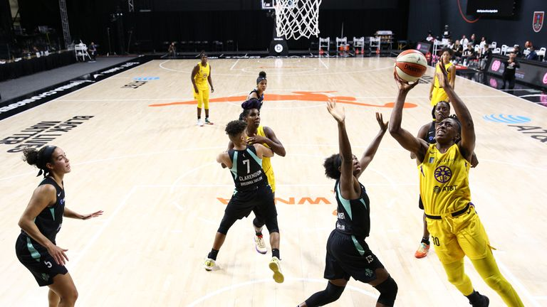 Highlights of the WNBA regular season game between the Los Angeles Sparks and the New York Liberty from Florida.