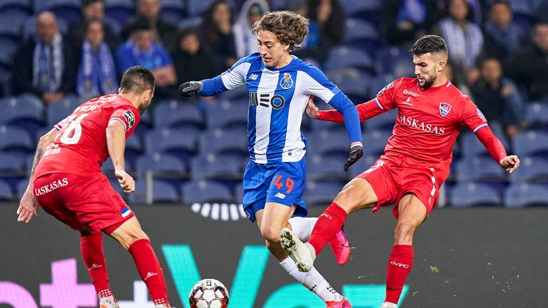 PORTO, PORTUGAL - JANUARY 28: Zakaria Naidji (R) and Ruben Fernandes of Gil Vicente FC compete for the ball with Fabio Silva of FC Porto during the Liga Nos match between FC Porto and Gil Vicente FC at Estadio do Dragao on January 28, 2020 in Porto, Portugal. (Photo by Quality Sport Images/Getty Images)