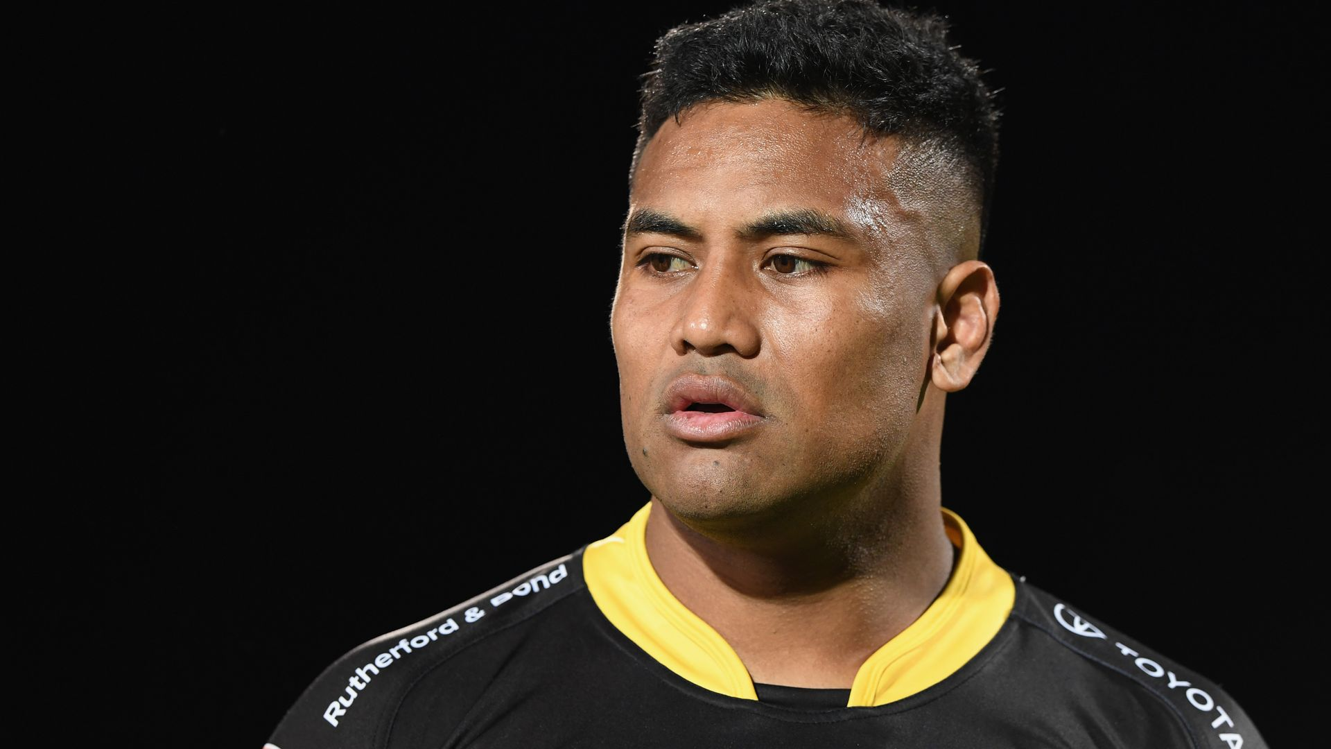 Ex-All Black Savea re-signs with Hurricanes