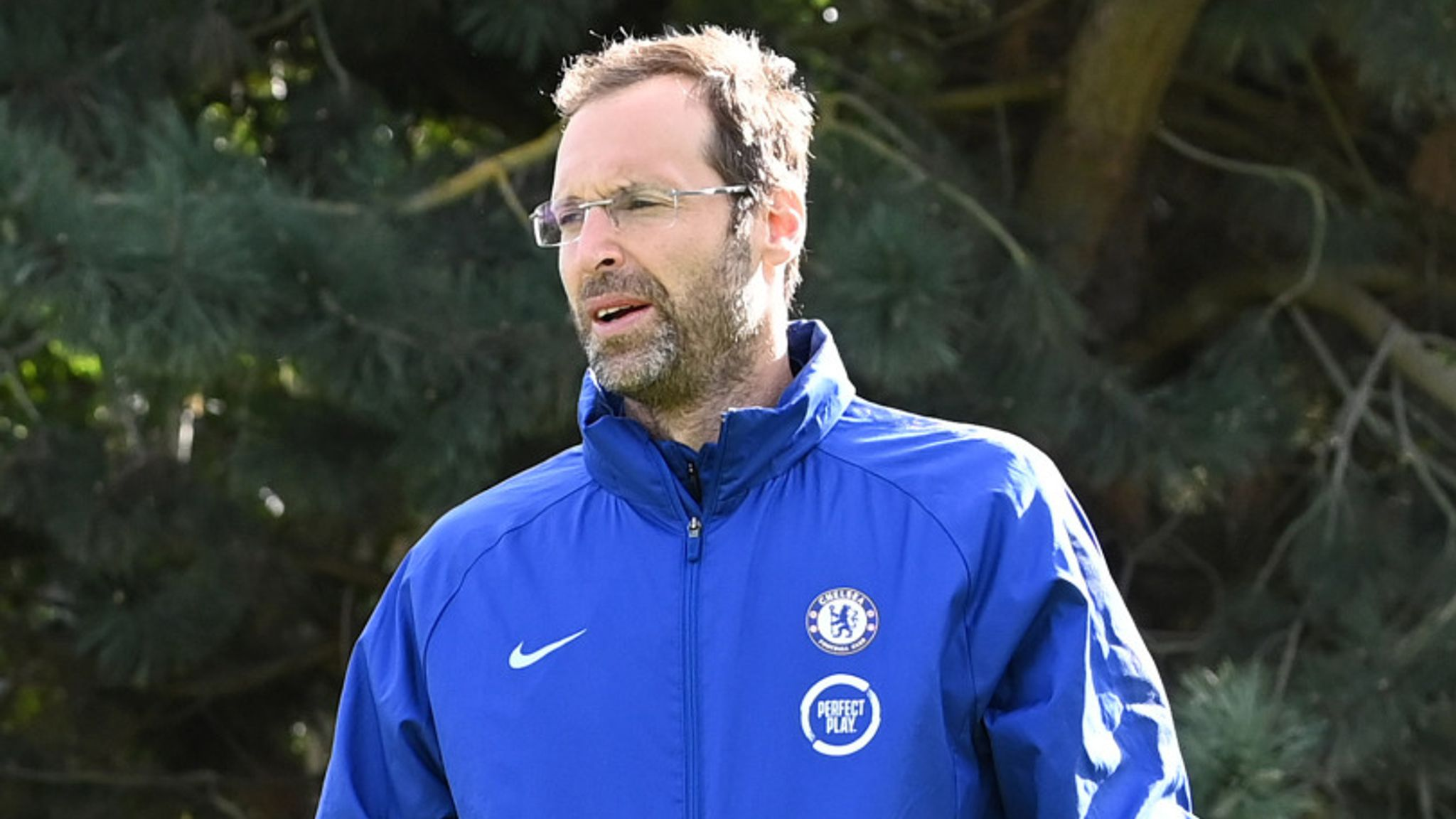 Petr Cech: Chelsea name 38-year-old in Premier League squad as emergency  goalkeeper | Football News | Sky Sports