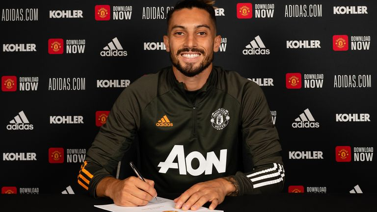 Alex Telles has signed for Manchester United
