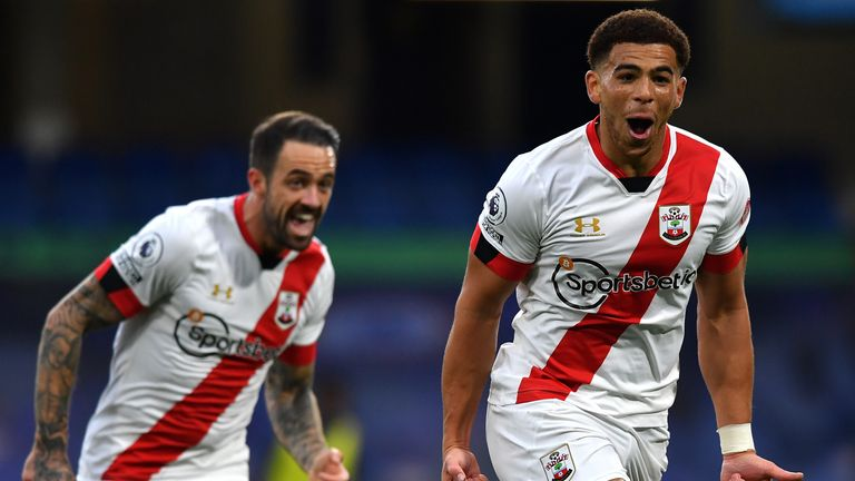 Che Adams celebrates after making it 2-2