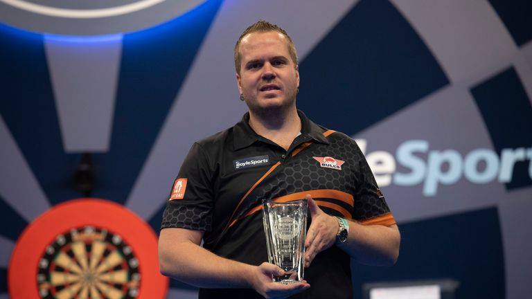 Van Duijvenbode became the first Dutchman outside of Van Gerwen or Van Barneveld to reach a major ranking final since 2007 at the World Grand Prix