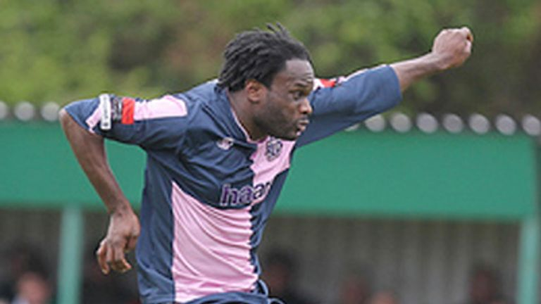 Francis Duku in action for Dulwich Hamlet