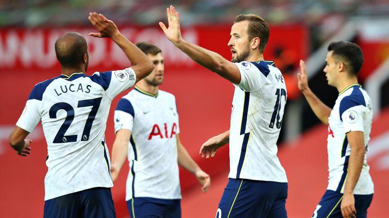 Harry Kane celebrates after Spurs go 6-1 up