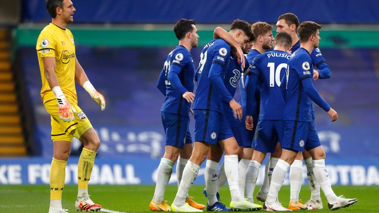 Kai Havertz celebrates with team-mates after restoring Chelsea's lead