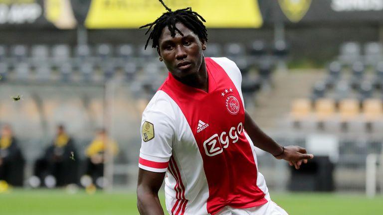 Lassina Traore celebrates his first goal
