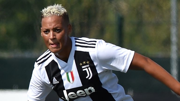 Lianne Sanderson of Juventus controls the ball during the Women's Serie A match between Juventus and Fimauto Valpolicella at Juventus Center Vinovo on September 23, 2018 in Vinovo, Italy