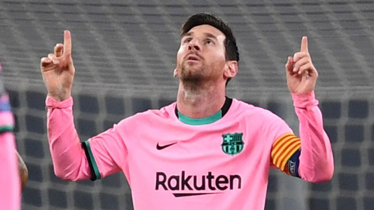 Lionel Messi of Barcelona celebrates after scoring his side's second goal from the penalty spot during the UEFA Champions League Group G stage match between Juventus and FC Barcelona