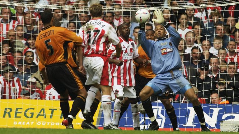 Matt Murray in action for Wolves against Sheffield United in the Championship playoff final in 2003