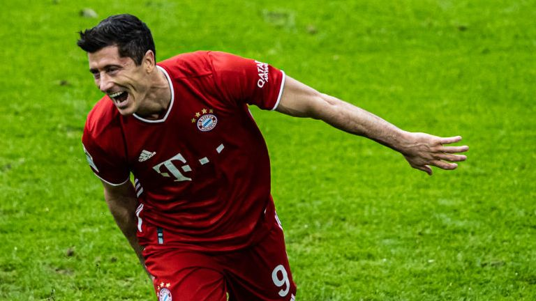Robert Lewandowski scored a hat-trick against Eintracht Frankfurt