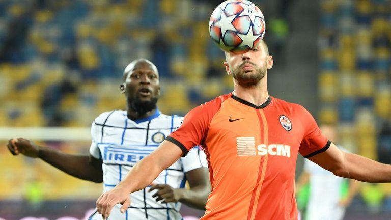 Inter forward Romelu Lukaku chases down Shakhtar's Davit Khocholava
