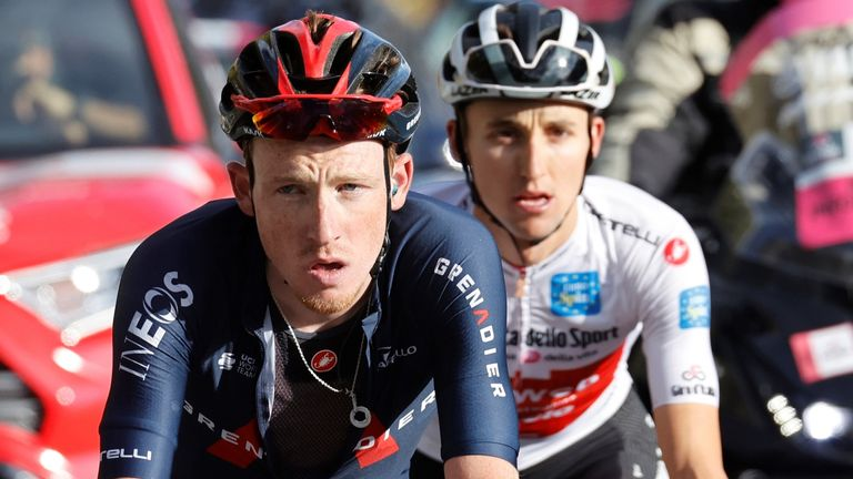 Tao Geoghegan Hart and Jai Hindley battle it out on Stage 18 at the Giro D'Italia