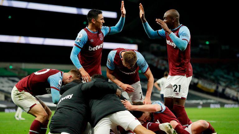 West Ham celebrate Manuel Lanzini's equaliser