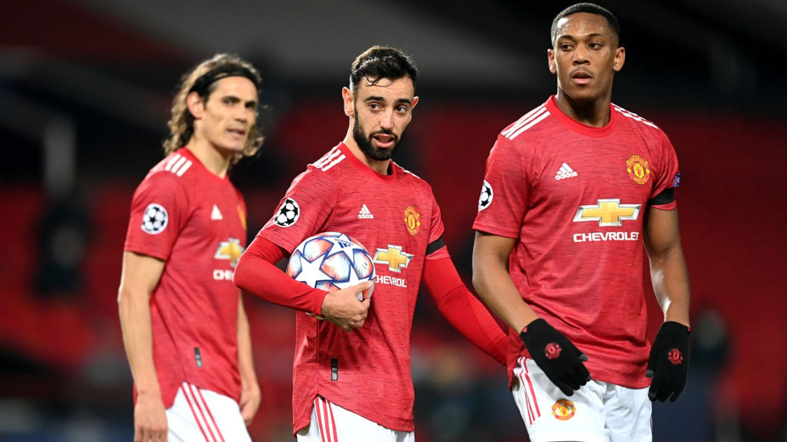 Bruno Fernandes relinquishes penalty - and hat-trick chance - in Man Utd win - Sky Sports