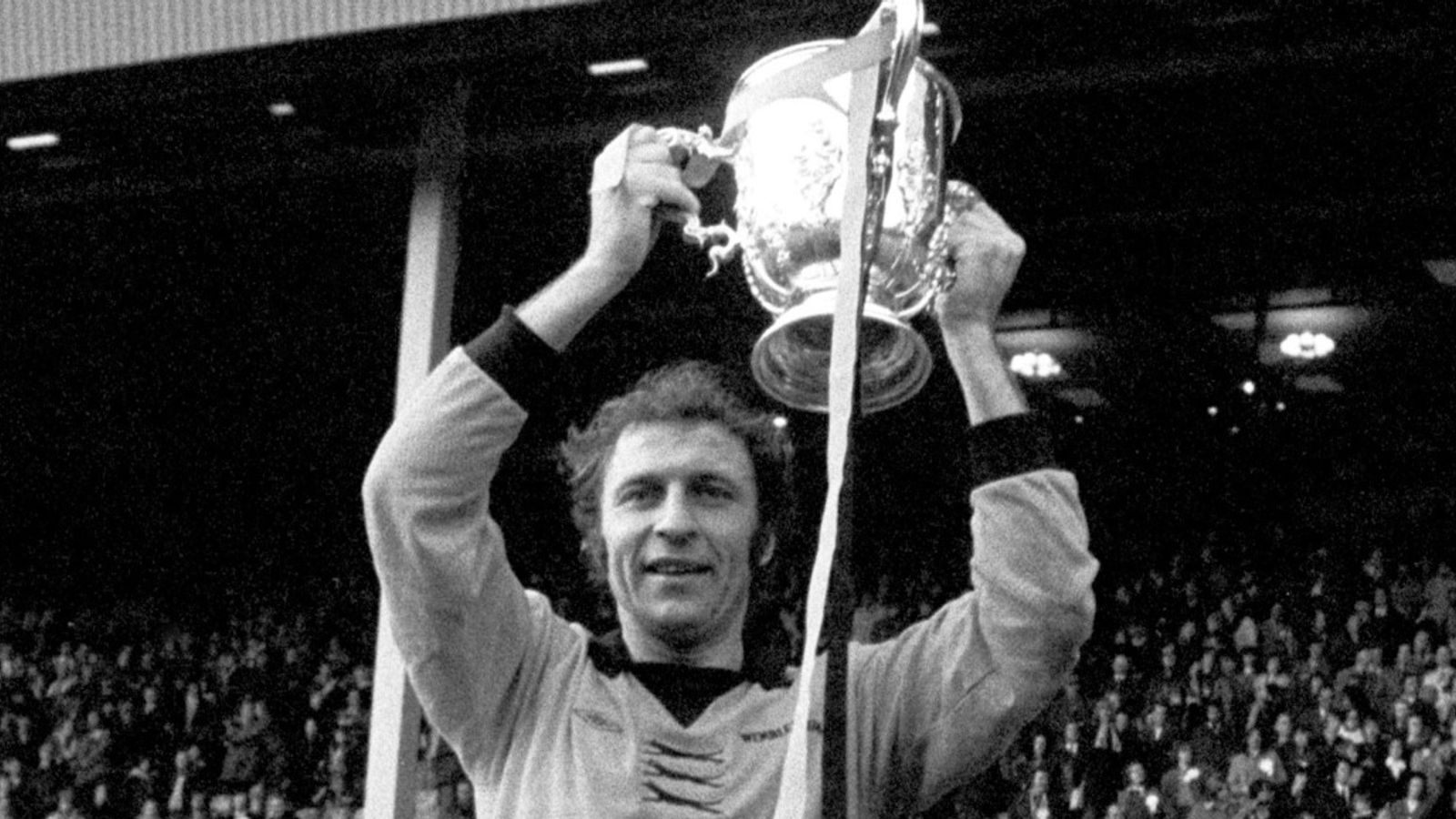 Mike Bailey: Former Wolves captain diagnosed with dementia ...