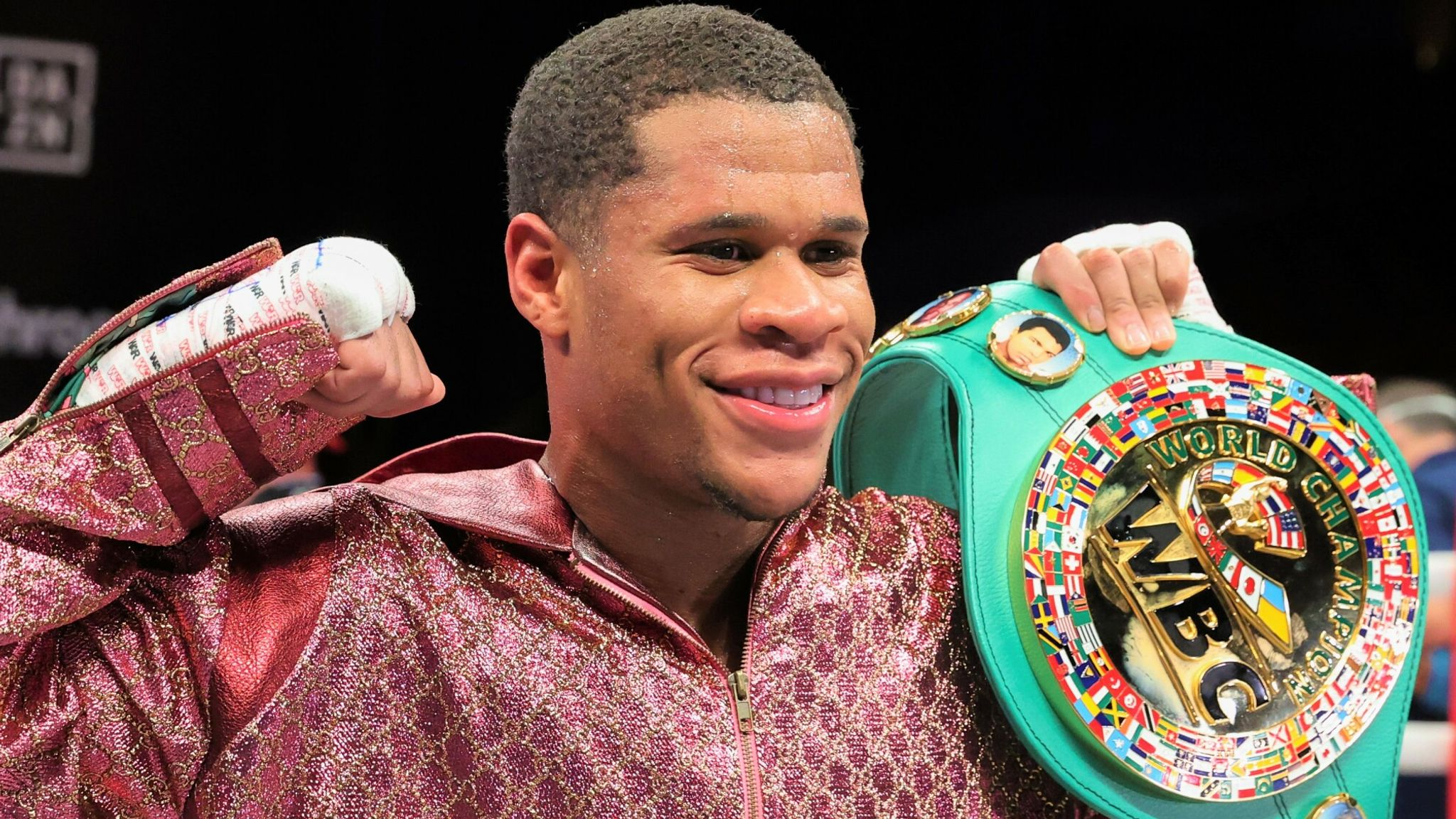 BOXING News: Devin Haney played a joke on Rolando Romero, trying to find him in the trash can