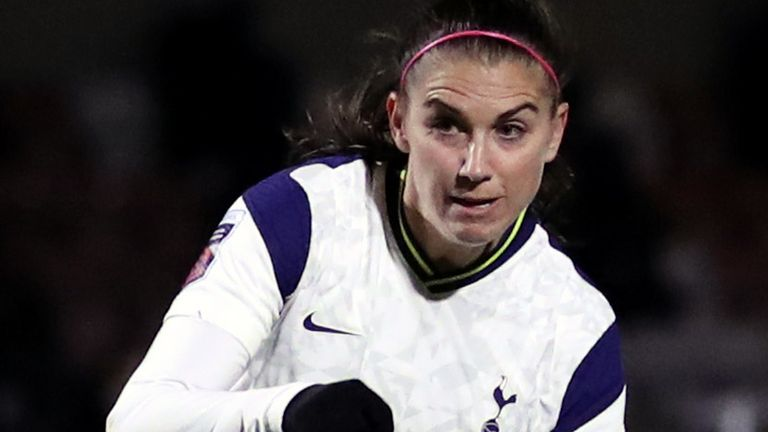 Alex Morgan missed from the penalty spot in a North London derby