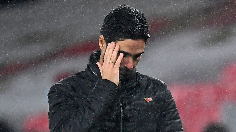Mikel Arteta during Arsenal's defeat to Aston Villa