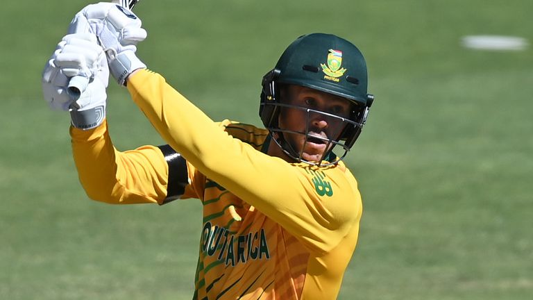 George Linde's knock of 29 gave the South Africa innings impetus as they reached 146-6