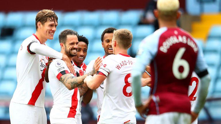 Danny Ings celebrates scoring Southampton's fourth goal with team-mates