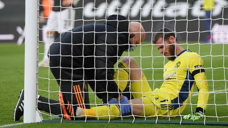 David de Gea receives treatment during Manchester United's game with Southampton