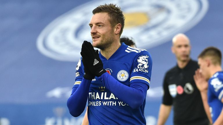 Jamie Vardy reacts after his penalty is saved