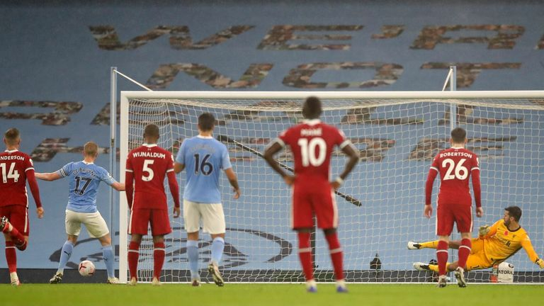 Kevin De Bruyne misses City's first-half penalty