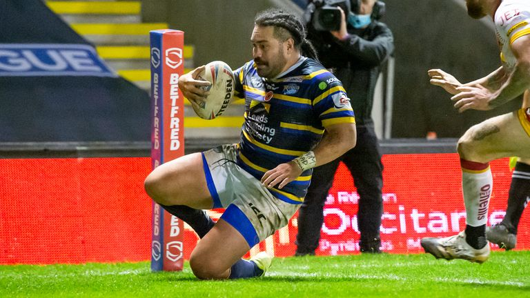 Barrie McDermott takes a look at early Super League form after opening two rounds |  Rugby League News