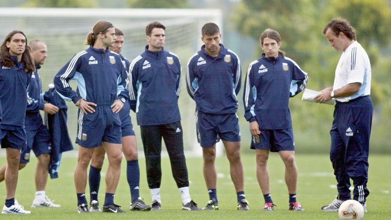 Mauricio Pochettino played under Marcelo Bielsa for Argentina