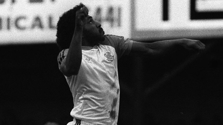 PA NEWS PHOTO 24/11/83 LONDON BORN MIDFIELDER RICKY HILL OF LUTON TWON F.C. IN ACTION