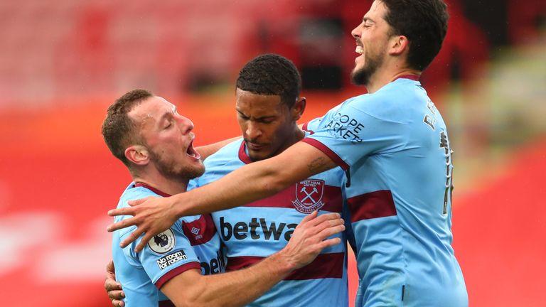 Sebastien Haller celebrates his goal with team-mates