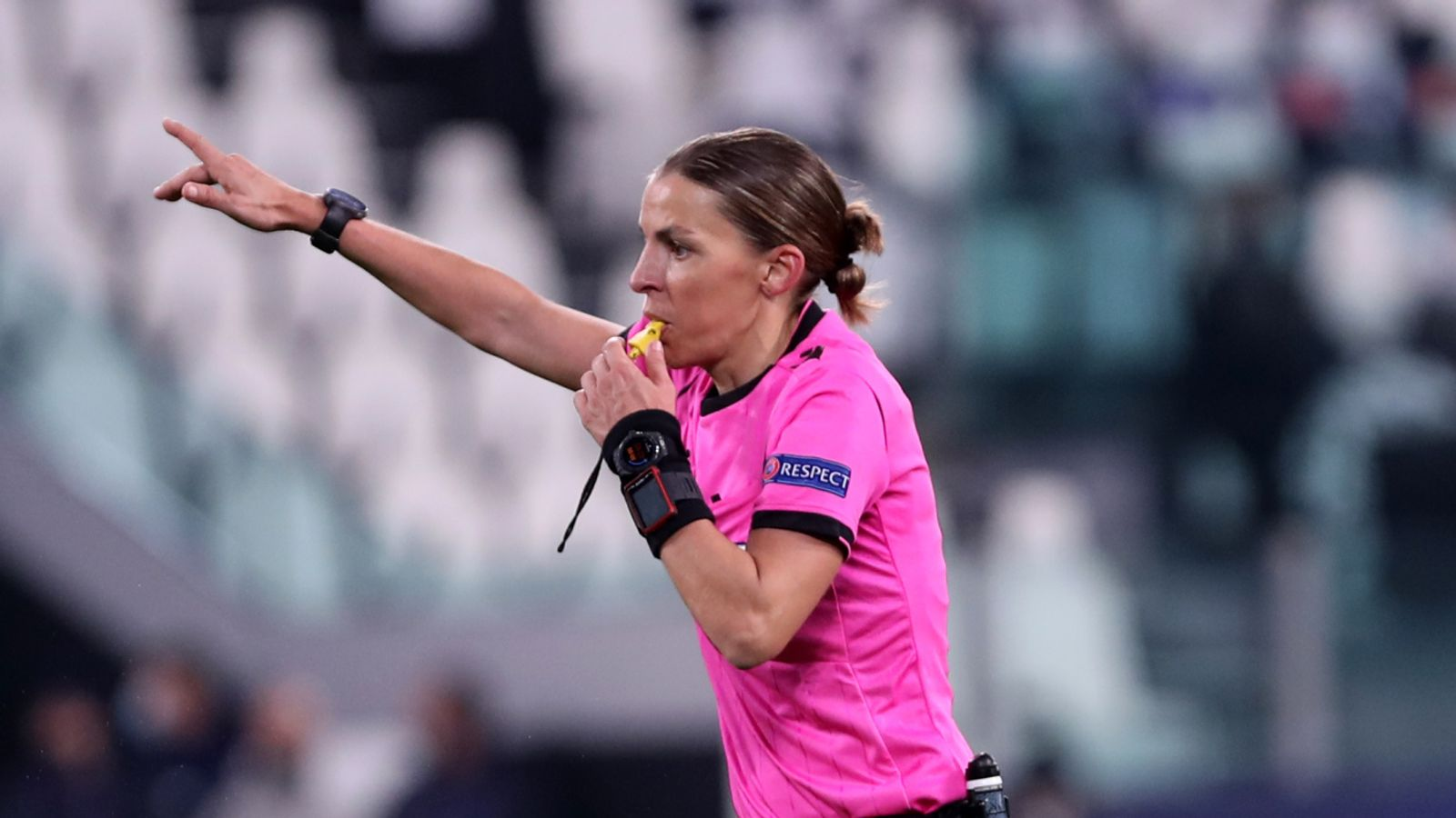 stephanie-frappart-can-become-role-model-for-female-refs-says-fas-joanna-stimpson