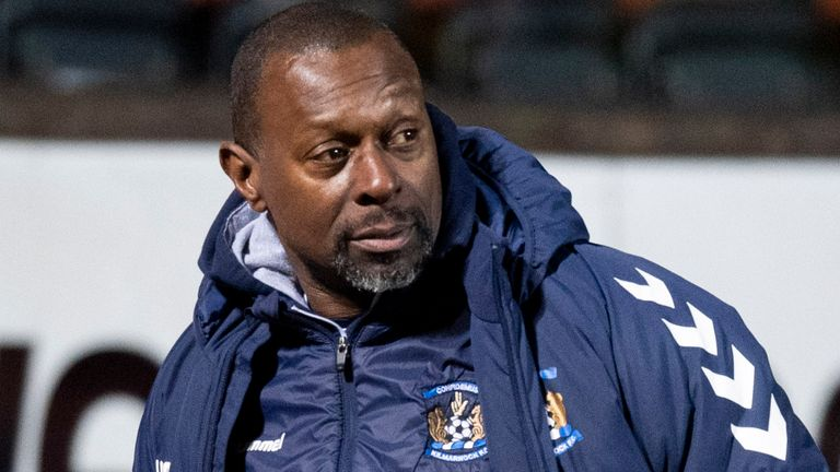 DUNDEE, SCOTLAND - DECEMBER 23: Kilmarnock manager Alex Dyer at full time during a Scottish Premiership match between Dundee United and Kilmarnock at Tannadice, on December 23, 2020, in Dundee, Scotland. (Photo by Ross Parker / SNS Group)