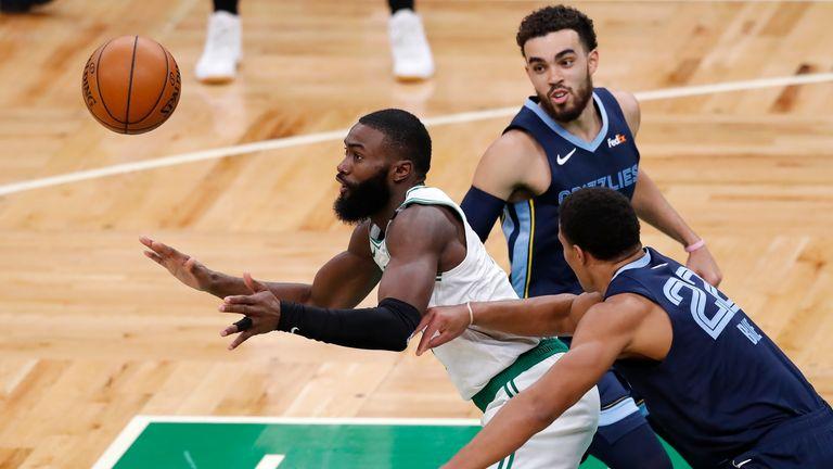 LeBron James leads LA Lakers past the San Antonio Spurs;  LA Clippers and Charlotte Hornets win |  NBA News