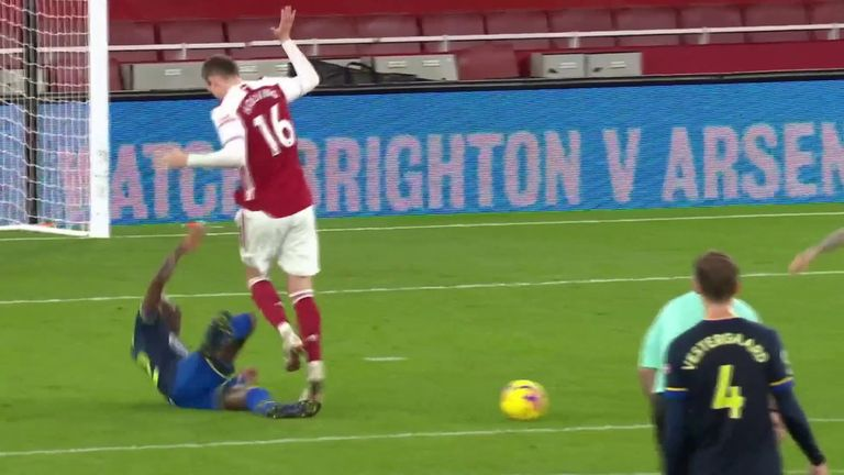Rob Holding's barge on Moussa Djenepo went unpunished in Arsenal's 1-1 draw with Southampton