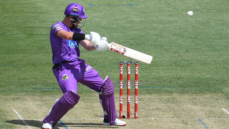D'Arcy Short struck a superb 72 as the Hurricanes made it two wins from two in this year's Big Bash League