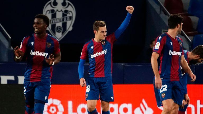 Jorge De Frutos' late winner gave Levante maximum points against Real Sociedad