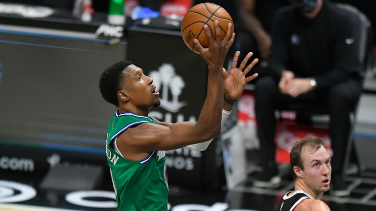 Dallas had lost their first two games of the season but had Josh Richardson dazzle in a remarkable first half