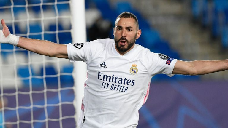 Real Madrid 2 0 Borussia Monchengladbach Karim Benzema Scores Twice To Book Last 16 Place Football News Sky Sports